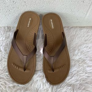 Okabashi Flip Flop Sandals Size ML(8-9), Brown